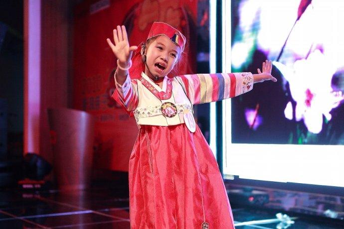 看着吴子禄在舞台上用心演唱也是种幸福  金立芳.jpeg